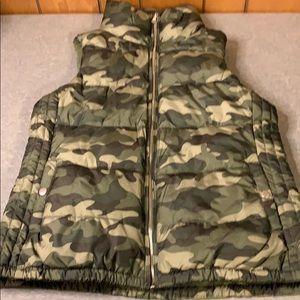 NWT Old Navy Camo Puffer Jacket-Sz S